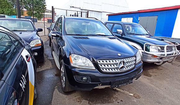 Mercedes-Benz ML350, 2007